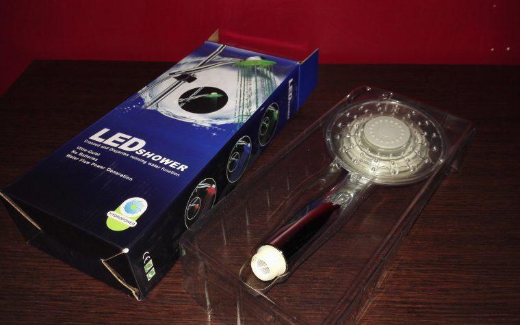 Crazyfire ® – Soffione per doccia, cambio colore LED automatico RGB